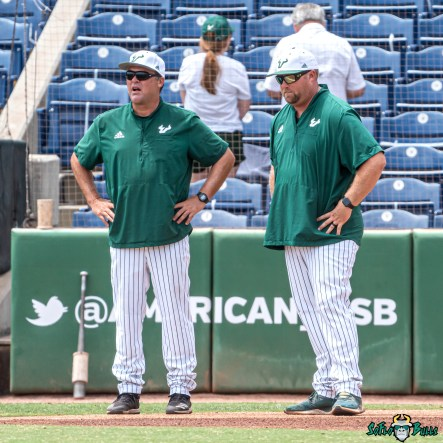 4 USF vs UCF Baseball Coach Billy Mohl Alan Kunkel 2021 AAC Championship final DRG08851