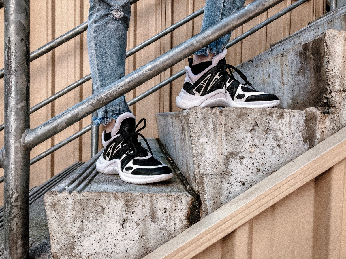 How To Style The Chunky Sneaker Trend | Louis Vuitton Archlight Sneaker Dupes