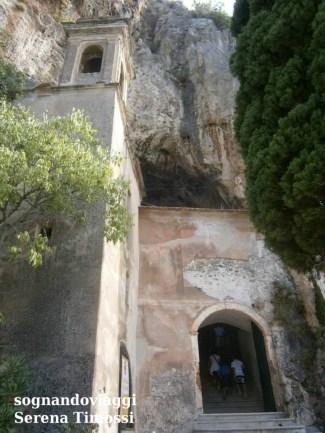 Santuario nella Grotta di Santa Lucia Superiore