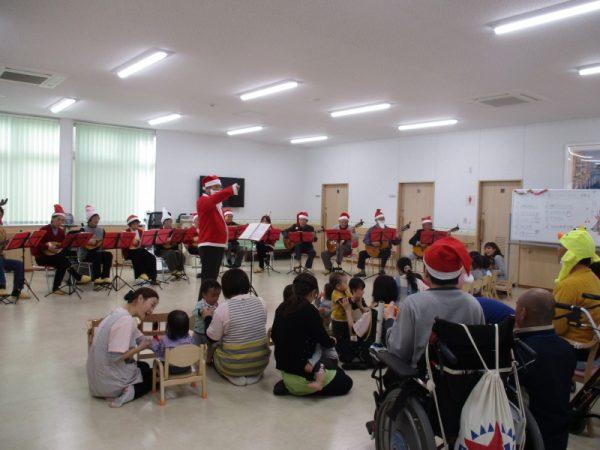 保育園 クリスマス マンドリン