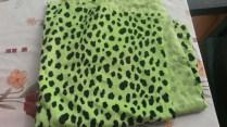Pelage léopard vert fluo - 72 x 160 cm - 5€