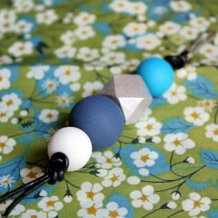 Porte-clés-géométrique-bleu-clair
