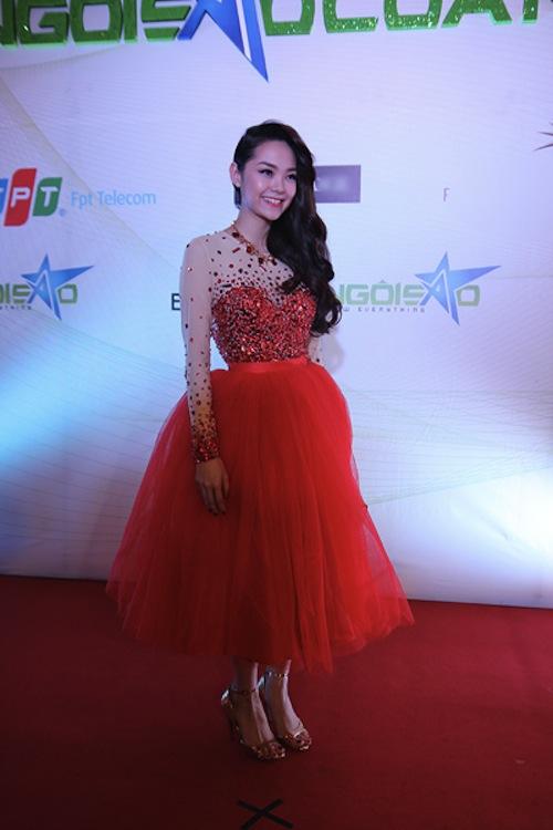 """Phong cách thời trang """"khó đỡ""""  của sao Việt ngày đầu năm 16"""