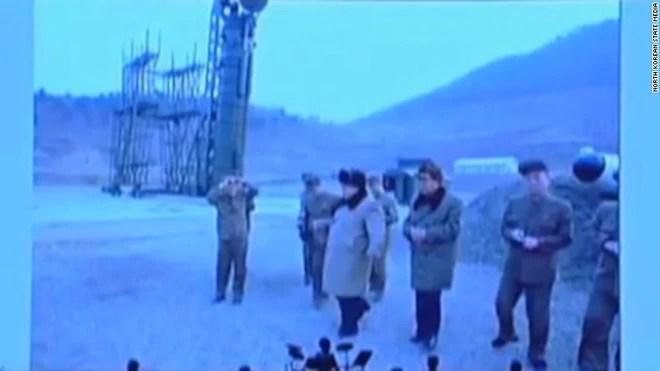 Những hình ảnh hiếm chưa từng công bố trong chương trình tên lửa của Triều Tiên  - Ảnh 5.