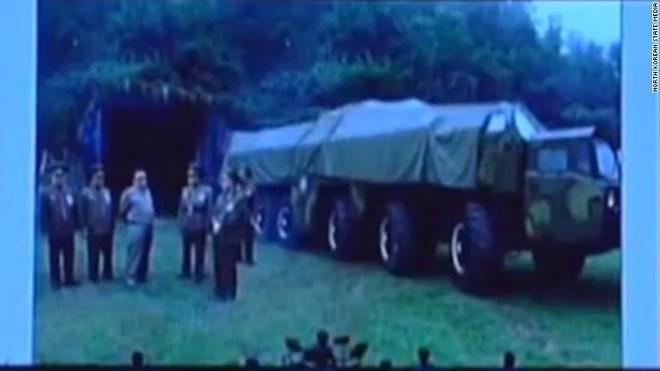 Những hình ảnh hiếm chưa từng công bố trong chương trình tên lửa của Triều Tiên  - Ảnh 8.