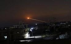 Israel ồ ạt phóng 60 tên lửa vào Syria, phòng không Syria bắn hạ quá nửa