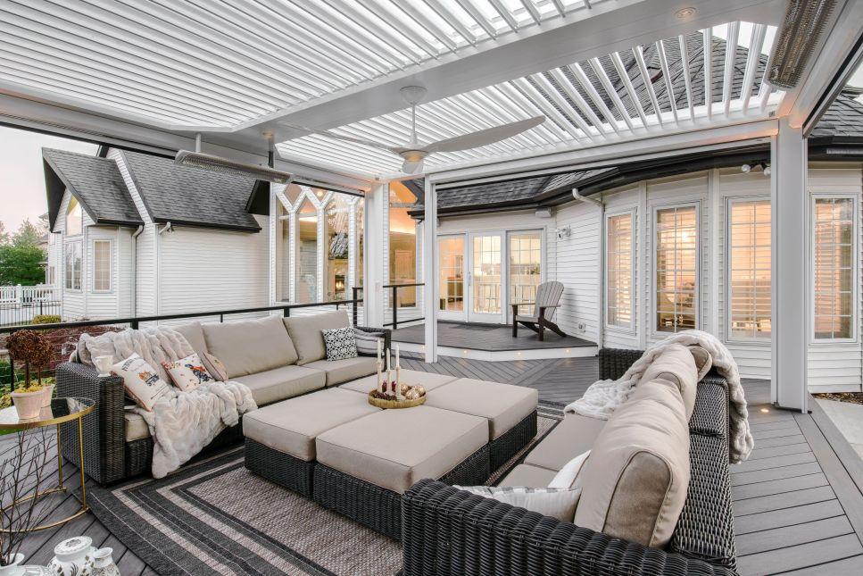 Pergola creating a nice outdoor living environment