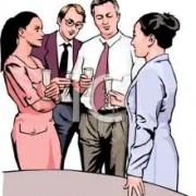 Agency team members sedang berbincang bisuness strategy