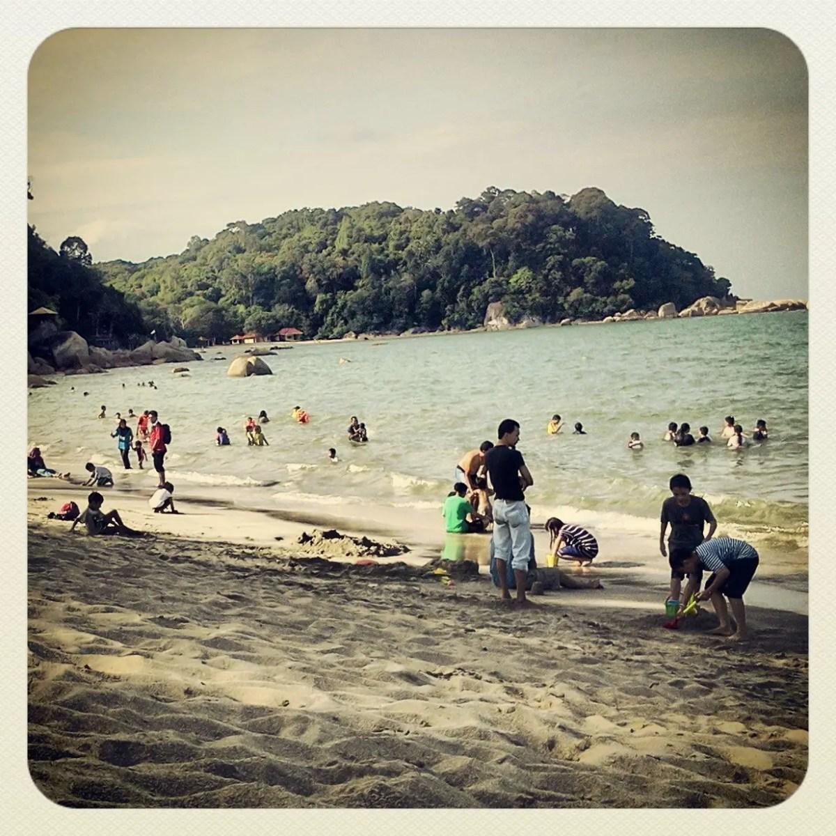Pantai Teluk Chempedak