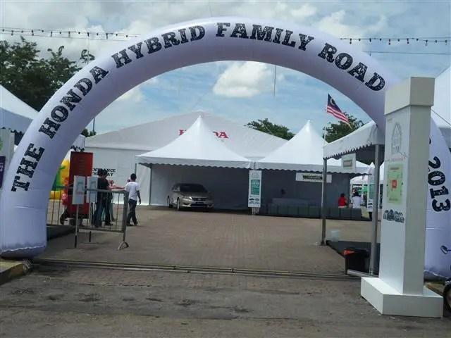 Pintu masuk karnival honda hybrid family road trip
