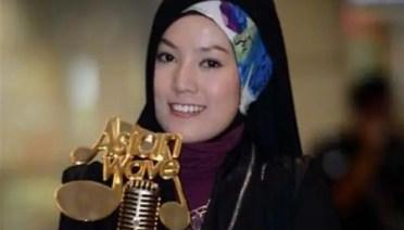 Gambar Sheila Amzah juara Asian Wave