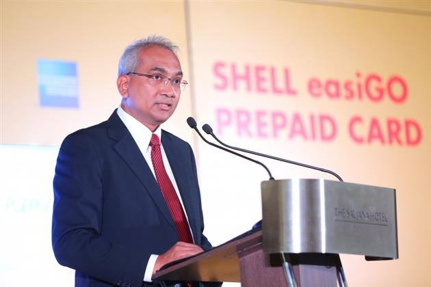 Tuan Haji Azman Ismail, Pengarah Urusan Shell Malaysia Trading Sdn Bhd. dan Shell Timur Sdn. Bhd
