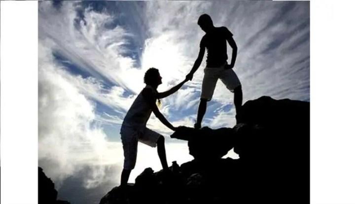 tolong menolong walaupun dalam perkara kecil adalah salah satu cara mudah untuk dapat pahala