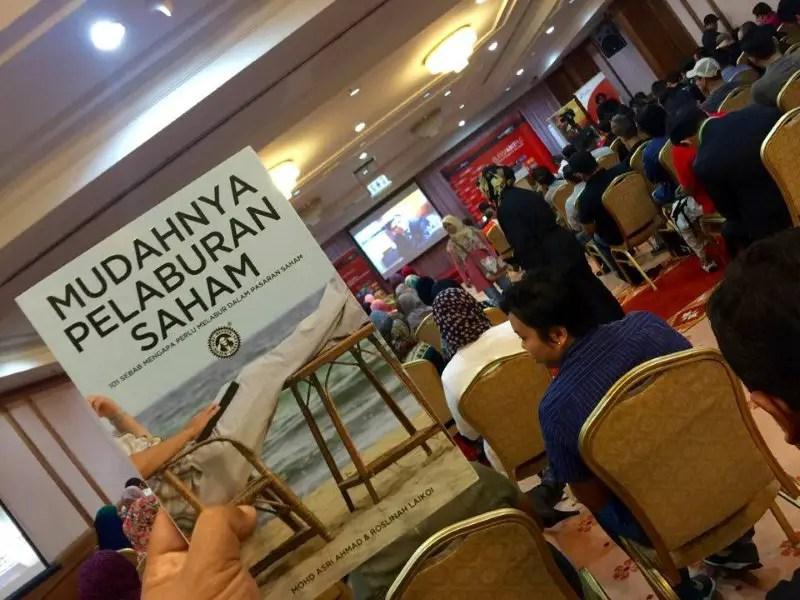 para peserta memenuhi ruang dewan Bursa Malaysia