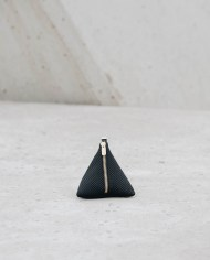 monedero piramide negro 2