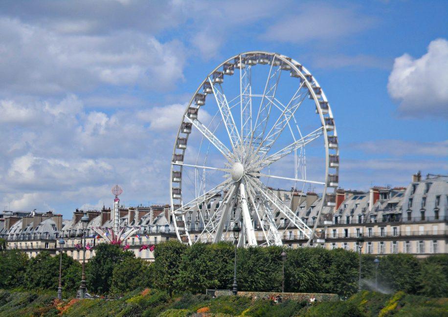 Grande roue au Jardin des Tuileries à Paris