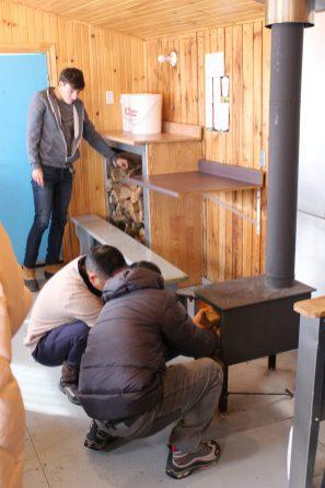 Cabane tout confort avec poêle à bois
