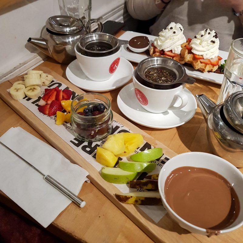 La fondue au chocolat chez Juliette & Chocolat à Montréal