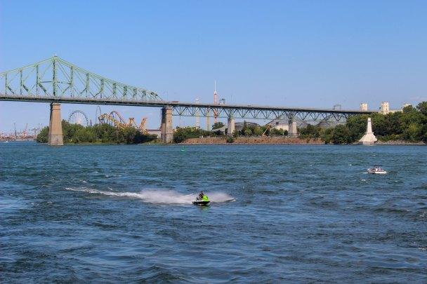 Vue sur le Pont Jacques Cartier depuis le Quai de l'Horloge