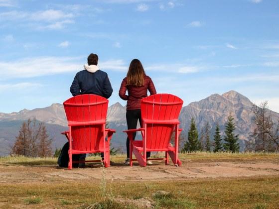 Les chaises Rouges de Old Fort Point
