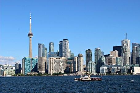 La vue depuis le ferry en direction de Toronto Islands