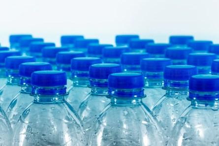 bouteille plastique danger