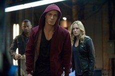 Roy, Diggle, and Sara