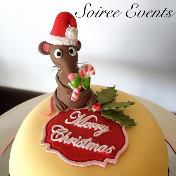 christmas pudding cake mouse