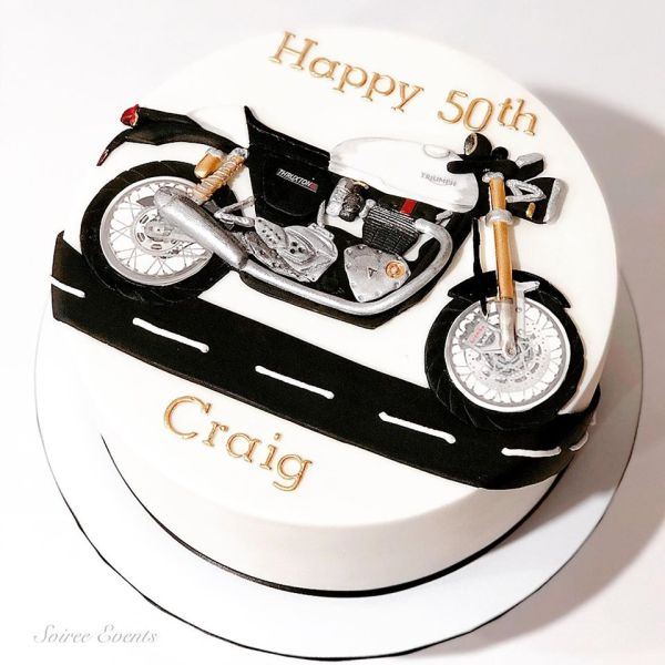 triumph motorcycle cake
