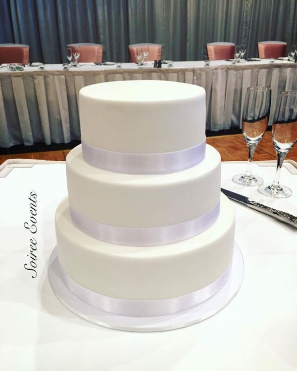3 tier standard height cake white