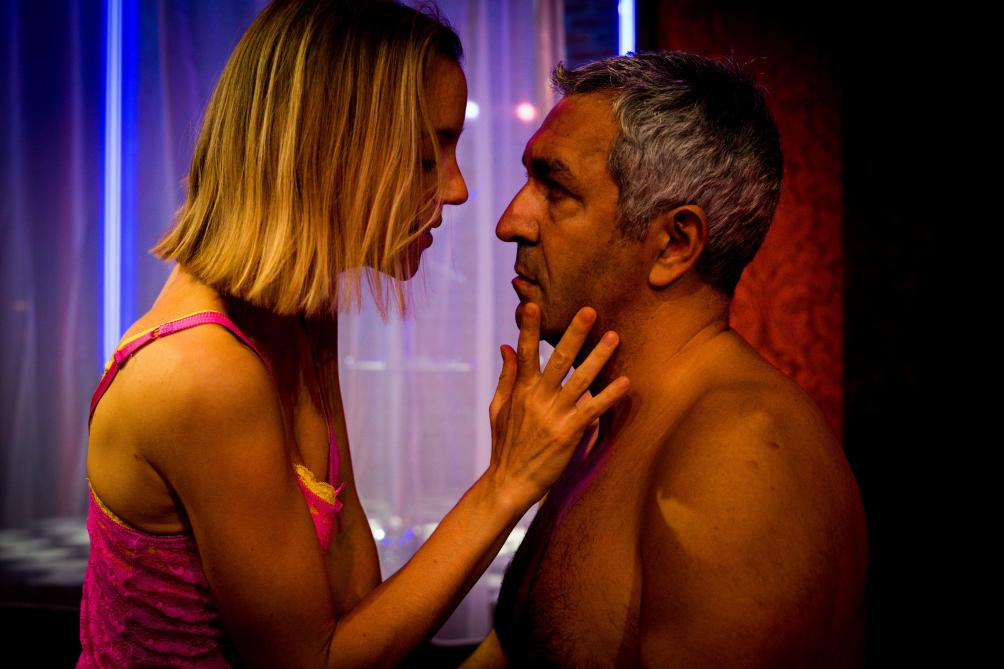 Rose jouée par Stéphanie Van Vyve et Nacho joué par Pedro Romero.