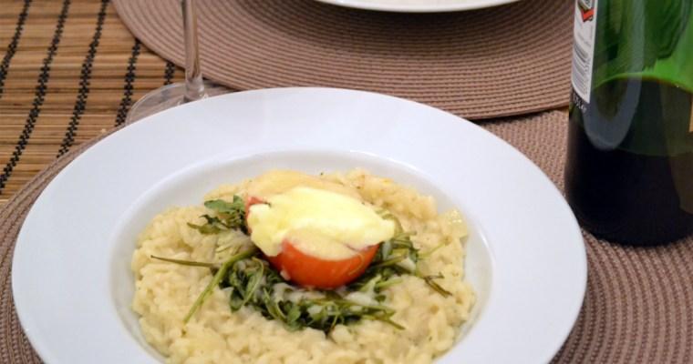 Überbackene Tomaten auf Rucola und Risotto