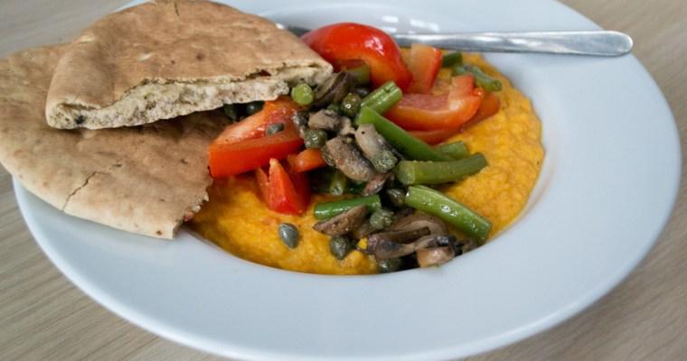 Gemüse auf Tandoori-Süßkartoffelpüree