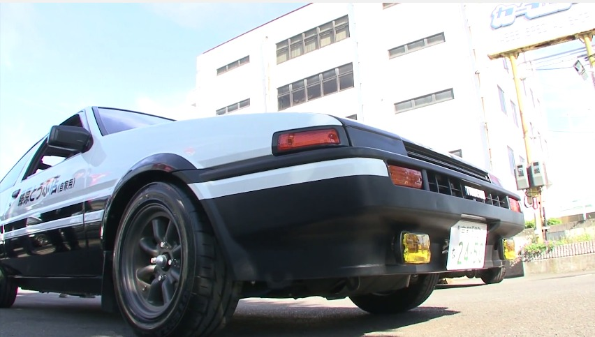 Anime] This is how Initial D gets its realistic sound effects - by