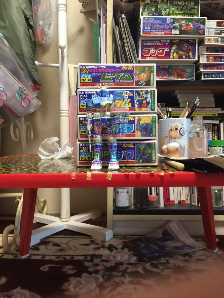 Can you find the RX-78-2 Gundam? This custom GunPla blends into its surroundings