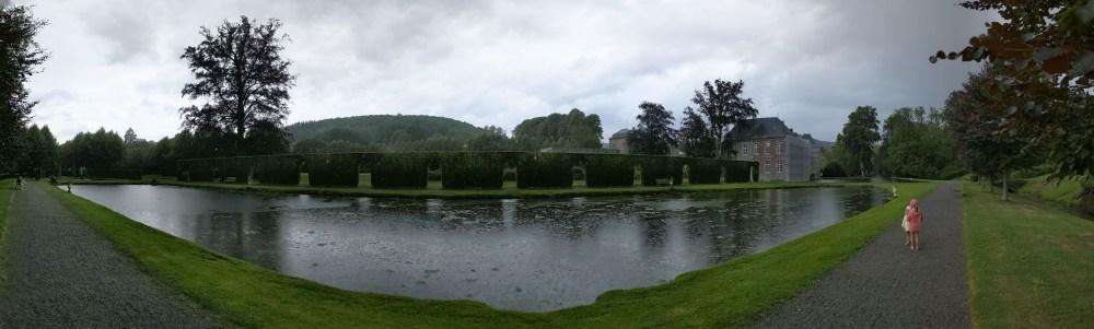 Panorama sous la pluie des Jardins d'Annevoie