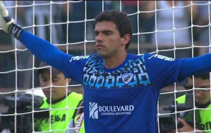 Как бразильский вратарь выбрал религию вместо футбола