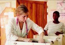 Миссионер-медик служит главврачом африканской больницы