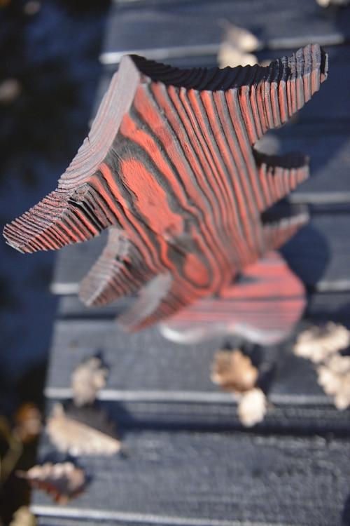 Sapin fabriqué en suivant la formation Yakisugi décoratif