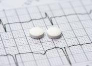 Aspirina o clopidogrel post TAVI: Guías y estudios llenos de contradicciones