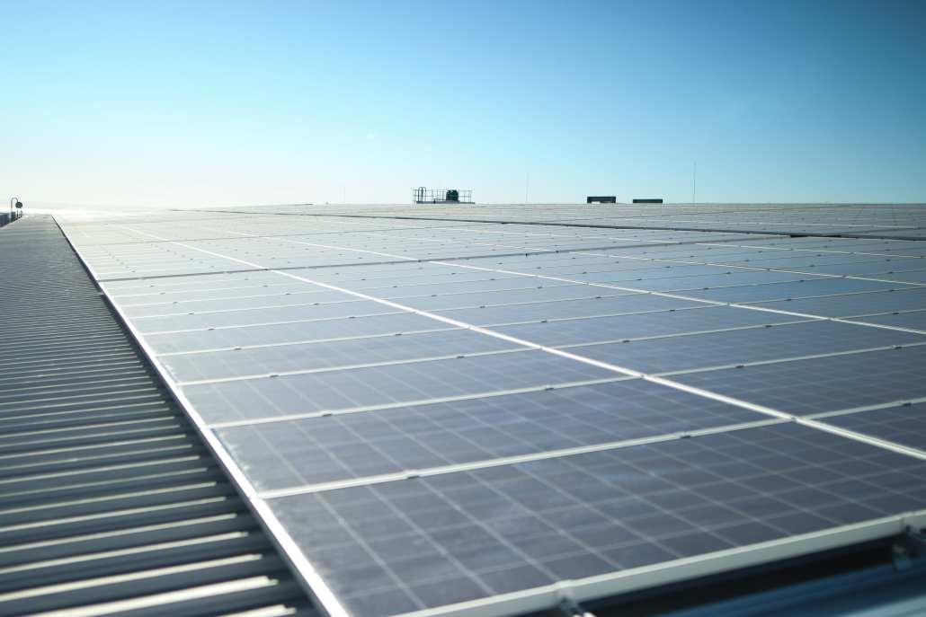 Solar installation for industrial buildings