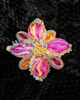 Solal Bijoux Haute Fantaisie bijou nomade fleur rose orange et mauve