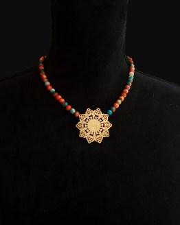 Solal Bijoux Haute Fantaisie collier aimanté de perles en pierre de fleur de pluie orange et turquoise