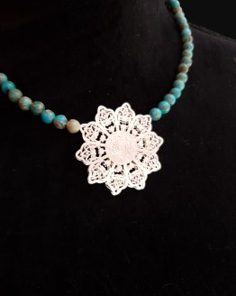 Solal Bijoux Haute Fantaisie collier aimanté en perles de jaspe impérial turquoise
