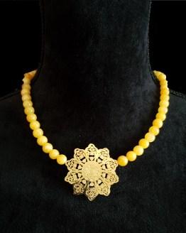 Solal Bijoux Haute Fantaisie collier aimanté de perles en jade mashan jaune