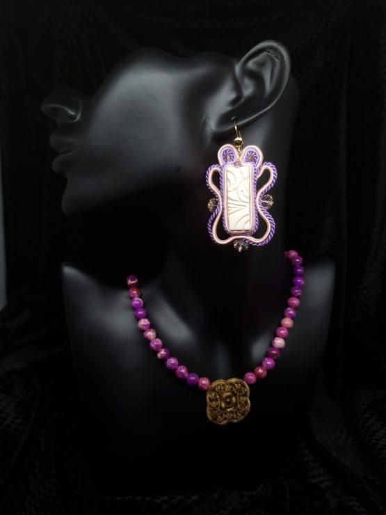 Solal Bijoux Haute Fantaisie boucles d'oreilles blanc saumon et mauve avec collier de perles en jaspe impérial mauve
