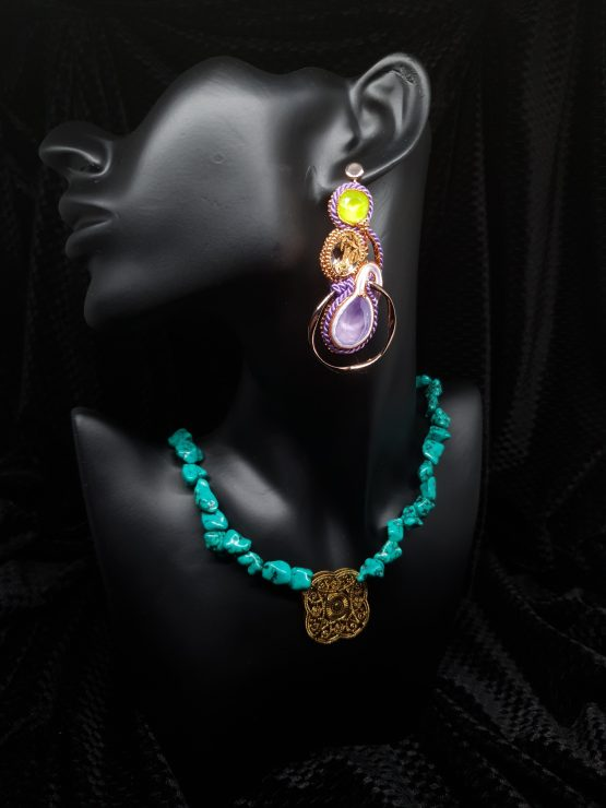 Solal Bijoux Haute Fantaisie boucles d'oreilles vert mauve or rose avec collier en perles de howlite vert