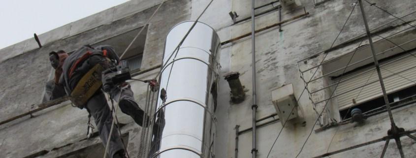 Trabajos verticales en patio interior