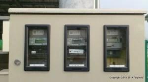 三つ並んだ電力計