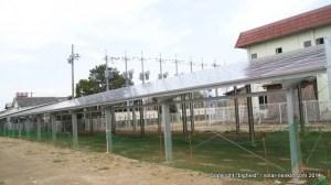湯梨浜太陽光発電団地とそれに繋がるトランス(後方)